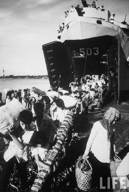South Vietnamese refugees returning to homeland from Pnom Penh, Cambodia 1970 (12)