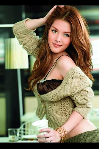 lydia thai singer2