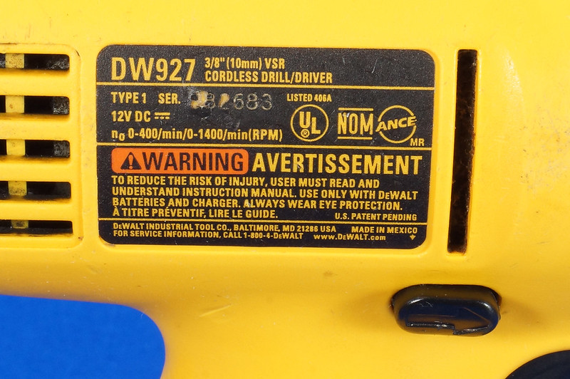 RD15258 DeWalt DW927K-2 12V NiCd Cordless Drill Driver Battery & Charger DSC08787