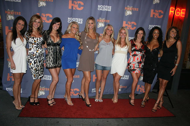 ... of Hooters, NYC (2008 Calendar Girls) | Flickr - Photo Sharing