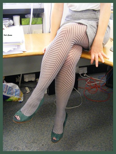 Zig Zag Zainy Tights And Green Suade Shoes