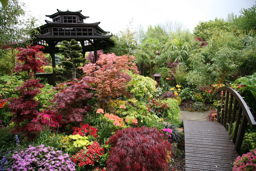 Middle garden spring photo 3 on garden plan for national for Flowers for japanese gardens