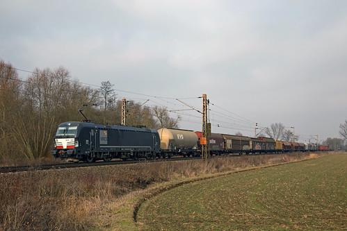 X4 E-608 Klein Schneen