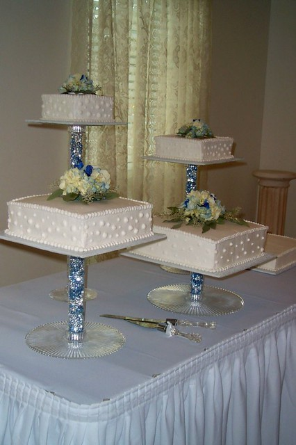 separate tier wedding cakes separated wedding cake the chose to 19747