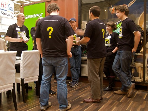 Cebit 2008: Morning briefing at the Greenpeace booth