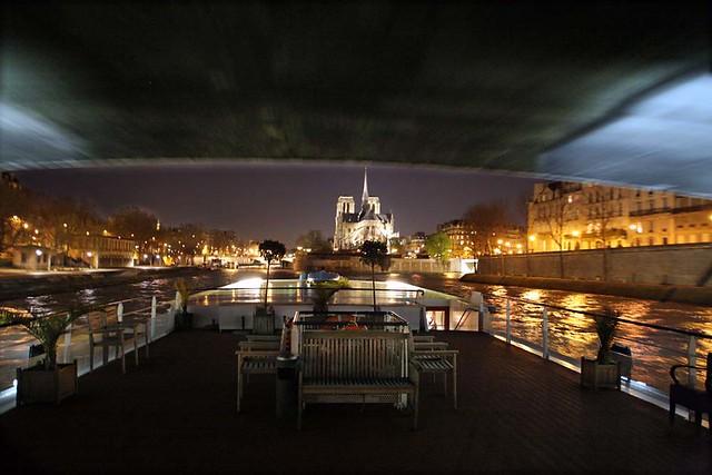 Bateau mouche passant sous un pont de paris flickr photo sharing - Vernis pont de bateau ...