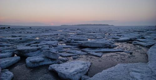 morning sea sun seascape ice sunrise suomi finland dawn nokia helsinki raw icon pack scandinavia meri lauttasaari jää aurinko 929 uusimaa dng lumia aamu auringonnousu laru phoneography vattuniemi lauttasaarenselkä pureview ahtojää lumia929
