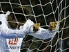 ts_2007-10-25T211944Z_01_DJM118_RTRIDSP_2_SOCCER-UEFA