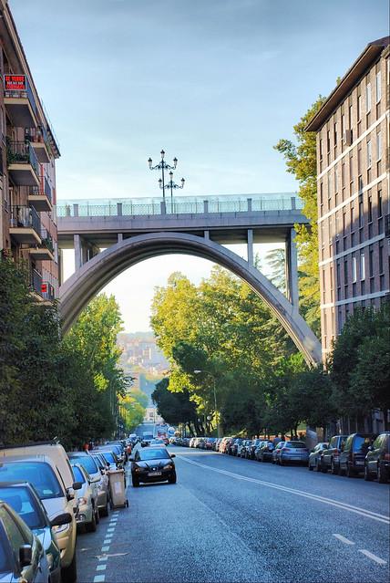 Madrid. Calle de Segovia y Viaducto.