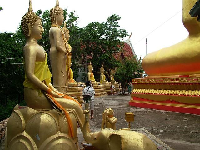 Thailand . Wat Phra Yai. Pattaya (422)