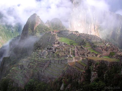 Machu-Picchu by nikameri