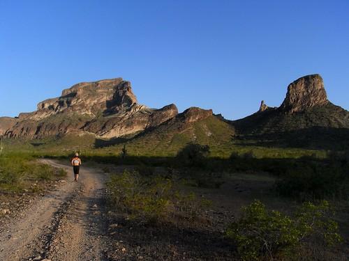 landscape geotagged desert running ann calendar2011 geo:lat=3345292500 geo:lon=11305530650