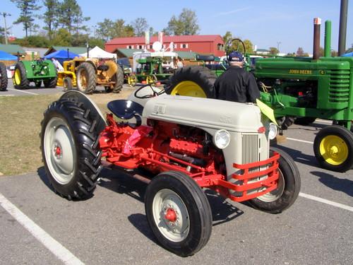 Flathead V8 Ford Tractor