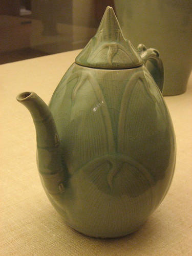 Bamboo shoot ewer