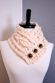 Cream Cabled Wool Scarflette...