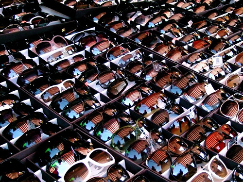 6e7437e824 Top 3 Reasons To Purchase Sunglasses In Bulk - CTS Wholesale LLC.