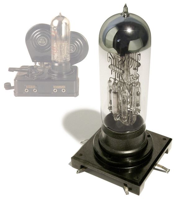 Early Löewe Radio Tube, c. 1926
