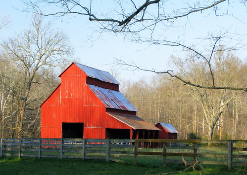 Barn at Rutledge Falls