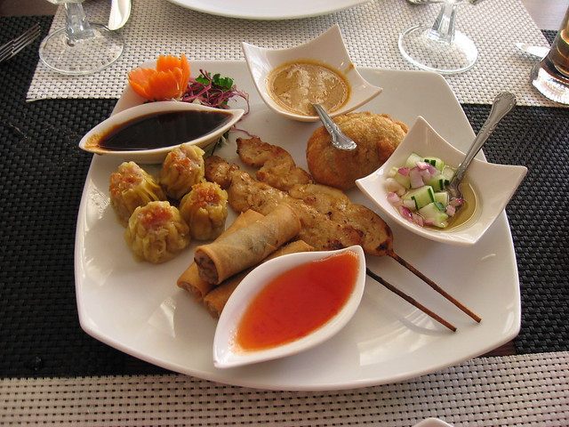 ... spring rolls, curry puff and Thai dumplings | Flickr - Photo Sharing