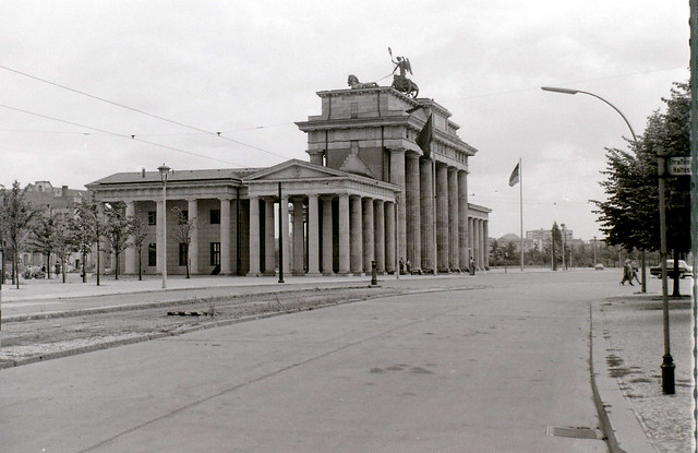 Brandenburger Tor, East Berlin, c. 31 July 1960
