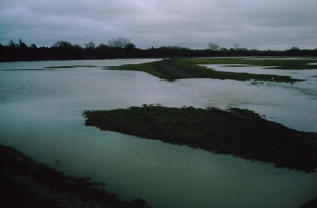 Book 1 Walk 13 (Oxford round) Flooded Port Meadow Wolvercote Oxfordshire. D.Allen Vivitar 5199mp