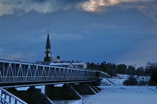 travel viaje bridge blue church rio azul suomi finland river geotagged puente rovaniemi lappland iglesia tarde finlandia evenig smörgåsbord laponia helluva 50club luciojosémartínezgonzález luciojosemartinezgonzalez holidaysvancanzeurlaub geo:lat=664968333333333 geo:lon=257423333333333