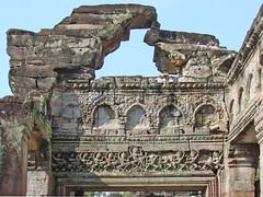 Mur de la salle de danse du Preah Khan