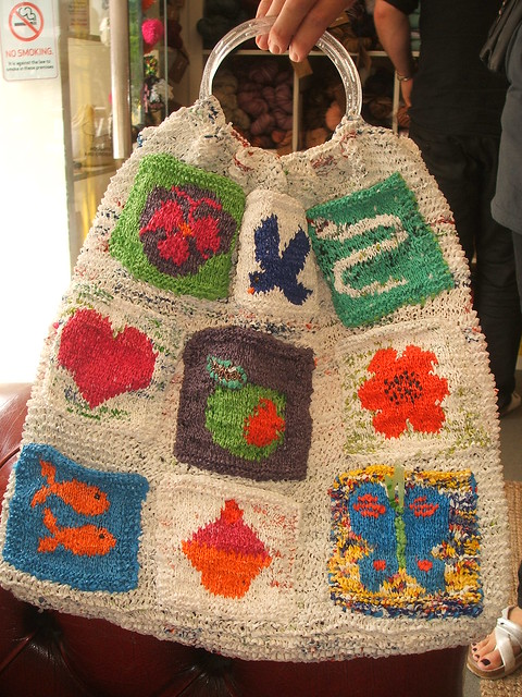 Knitted bag from plastic carrier bags Flickr - Photo Sharing!