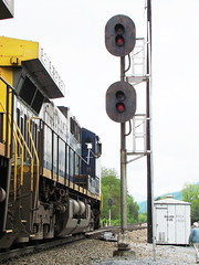 CSX train with GE locomotives head southbound at Rock Creek, Tennessee, May 2009