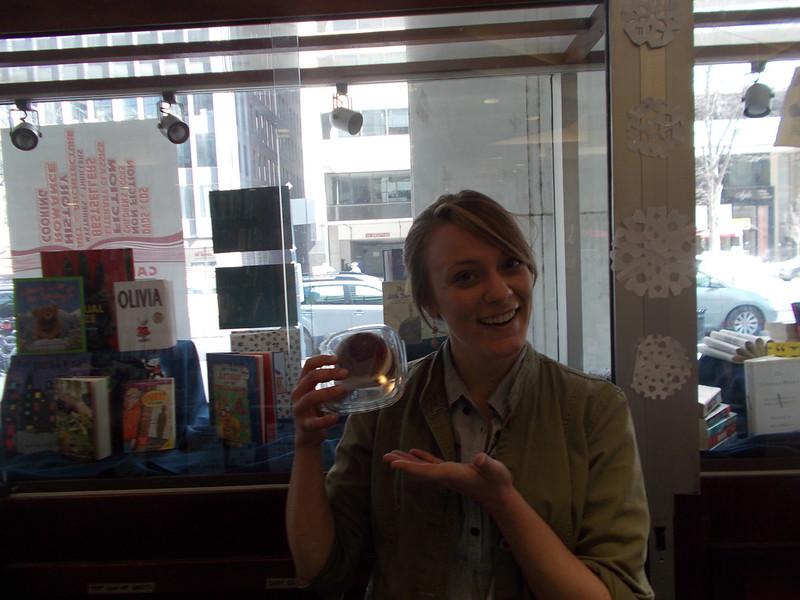 "Errandonee #4: Rachel says, ""I <3 Whoopie Pies"""