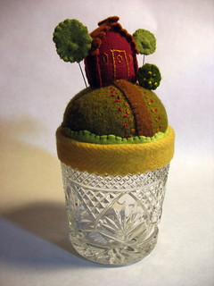 pin cushion- make-do