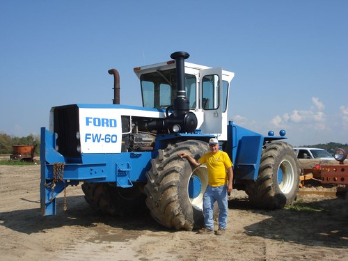 Big Ford Tractors : Huge ford tractor yesterday s tractors