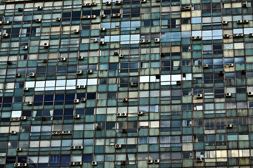 city windows urban building window latinamerica d50 uruguay citylife repetition montevideo urbanlife montevidéu discaciate