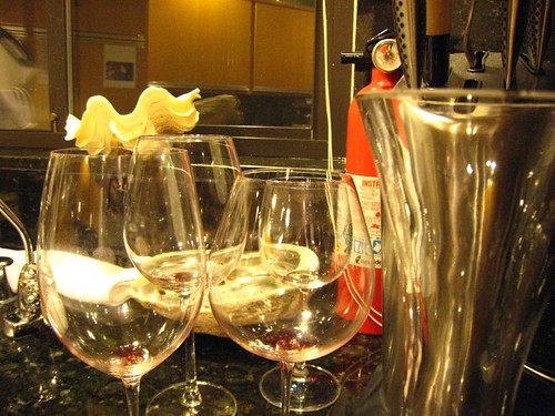 glasses, wine glasses, fire extinguisher, shell IMG_1804