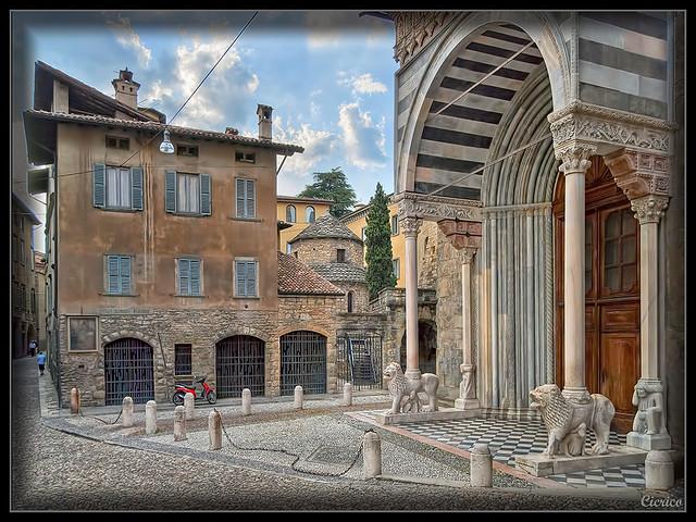 Bergamo, città alta - Piazza Santa Maria Maggiore