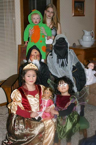 The Girls and their Cousins on Halloween
