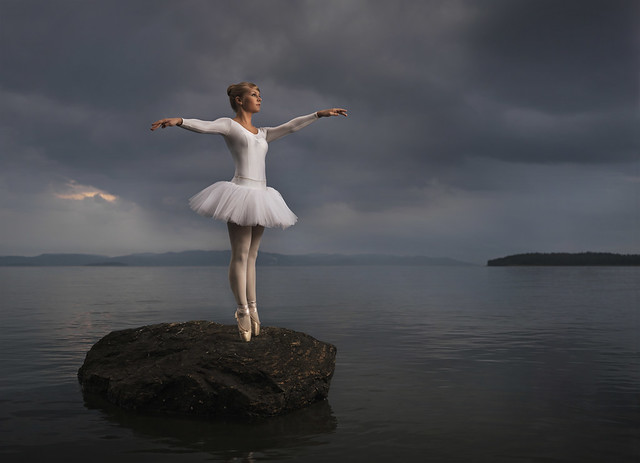 5820681718 64e714a5fe z [Pics] Flickr Spotlight #11 – Amazing Photos Of Dancers