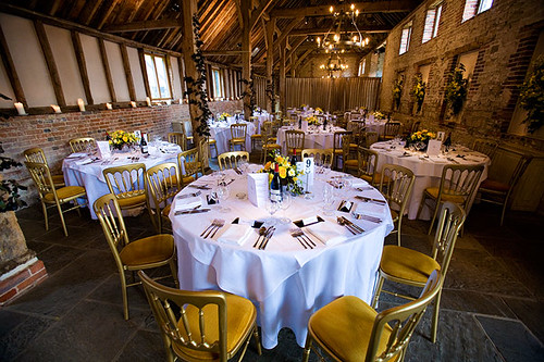 How to find the perfect Barn Wedding Venue