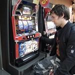 Tuomas playing Hokuto no Ken slotmachine