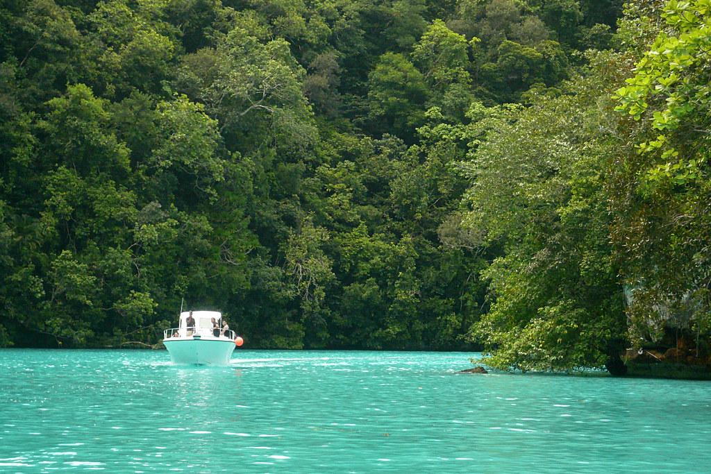 Palau_2008030818_p1020298