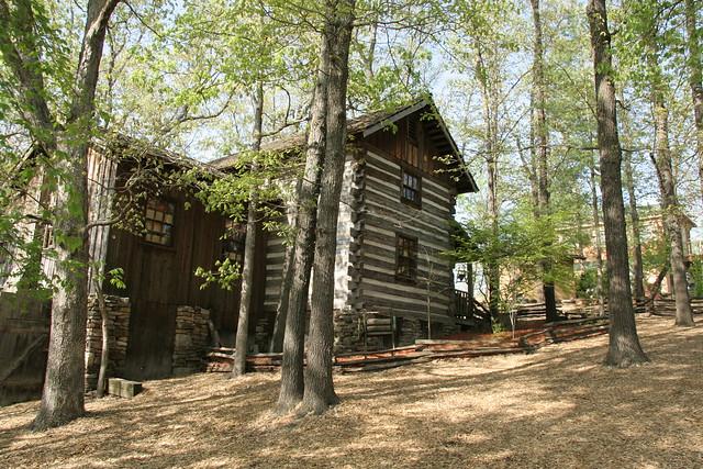 Log cabin at silver dollar city flickr photo sharing for Cabins near silver dollar city