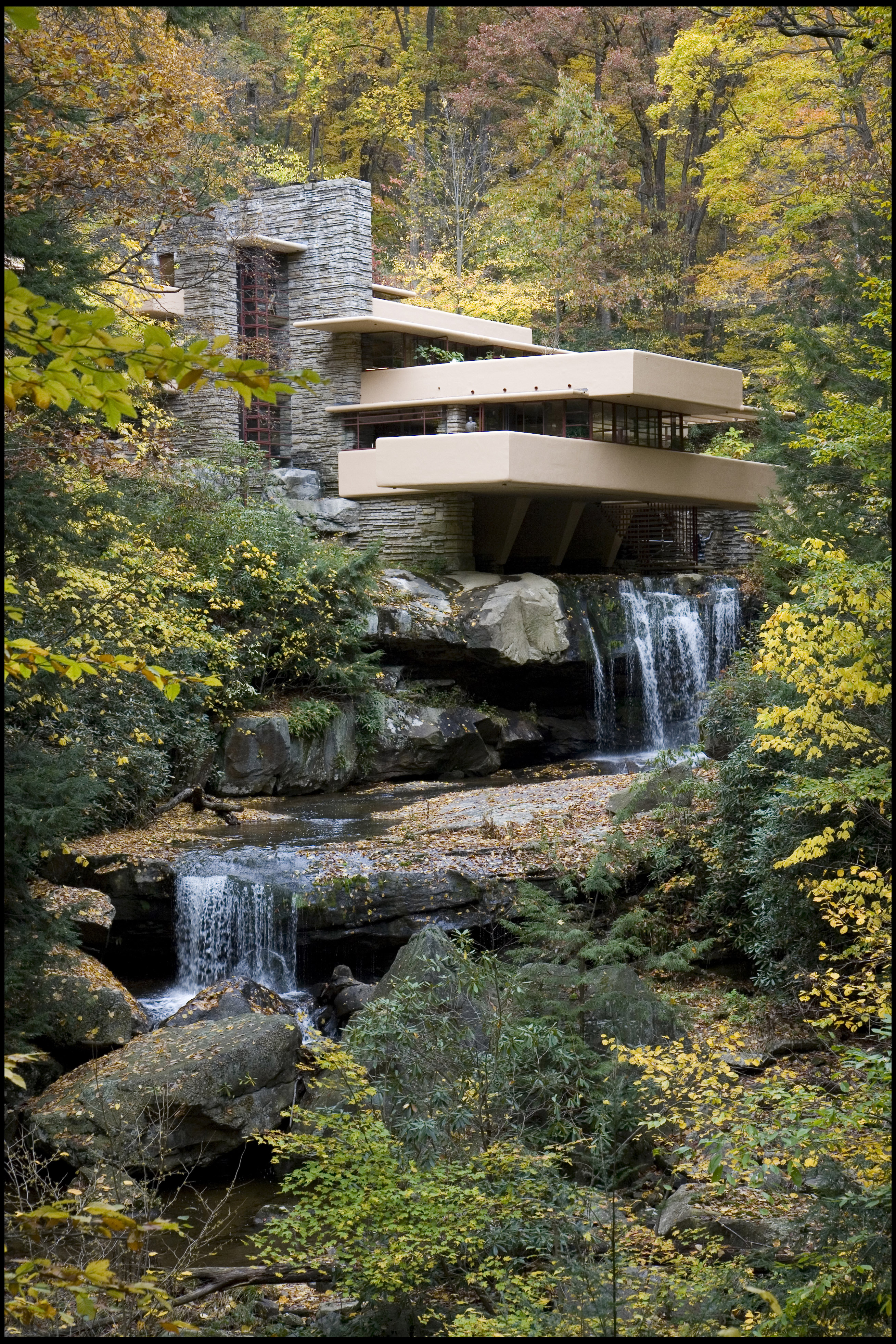 How Frank Lloyd Wright's 'Fallingwater' Home Changed Architecture Forever