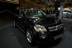 mercedes-benz glk-class(0.0), mercedes-benz r-class(0.0), automobile(1.0), automotive exterior(1.0), sport utility vehicle(1.0), mercedes-benz gl-class(1.0), wheel(1.0), vehicle(1.0), mercedes-benz(1.0), crossover suv(1.0), mercedes-benz m-class(1.0), bumper(1.0), land vehicle(1.0), luxury vehicle(1.0),