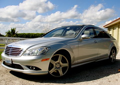 mercedes-benz e-class(0.0), automobile(1.0), automotive exterior(1.0), executive car(1.0), mercedes-benz w212(1.0), wheel(1.0), vehicle(1.0), mercedes-benz w221(1.0), automotive design(1.0), mercedes-benz(1.0), rim(1.0), bumper(1.0), mercedes-benz s-class(1.0), sedan(1.0), land vehicle(1.0), luxury vehicle(1.0),