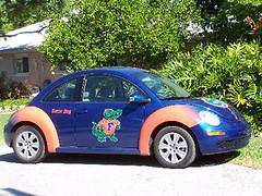 sedan(0.0), automobile(1.0), volkswagen beetle(1.0), automotive exterior(1.0), wheel(1.0), volkswagen(1.0), vehicle(1.0), volkswagen new beetle(1.0), subcompact car(1.0), city car(1.0), compact car(1.0), land vehicle(1.0),