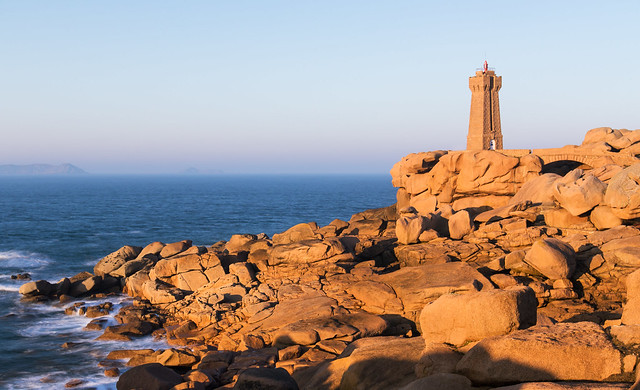 Sunset on Mean Ruz Lighthouse, Ploumanac'h (Cotes d'Armor - France)