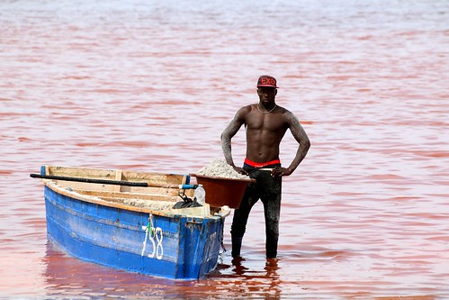 man worker boat rose water lagoon salt decay rusty rust lacrose rufisque dakar sénégal africa westafrica picmonkey