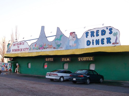 Fred's Diner, the entrance to Bedrock City and the chock-a-block gift shop/coffee bar - bedrock04x