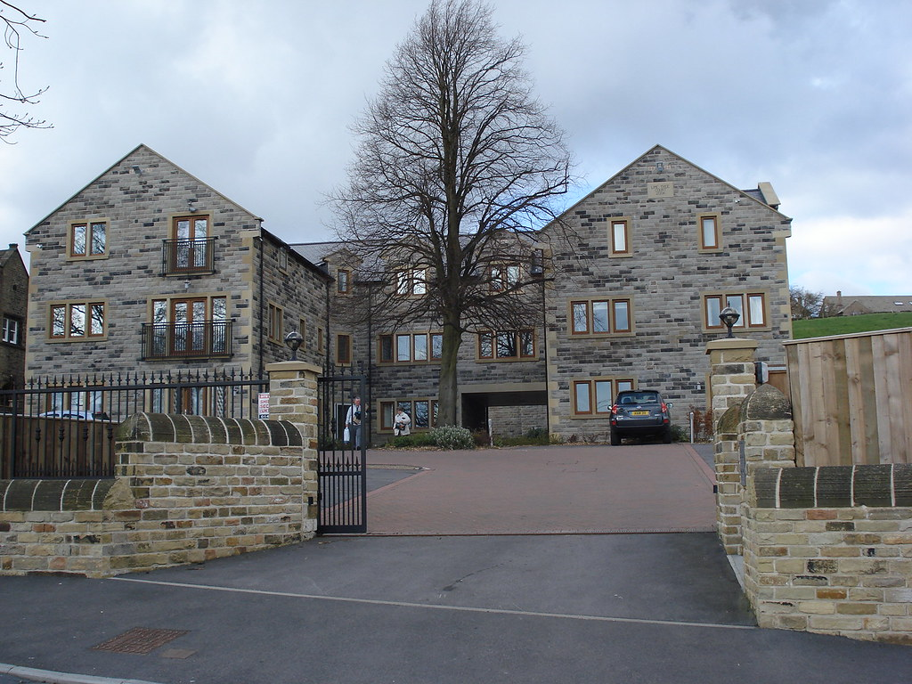 Huddersfield Property, 2 Bed Apartment