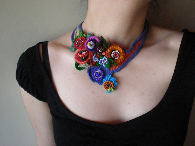 Crochet Stitches Jewelry : 2465161956_976fbd8d9f_z.jpg